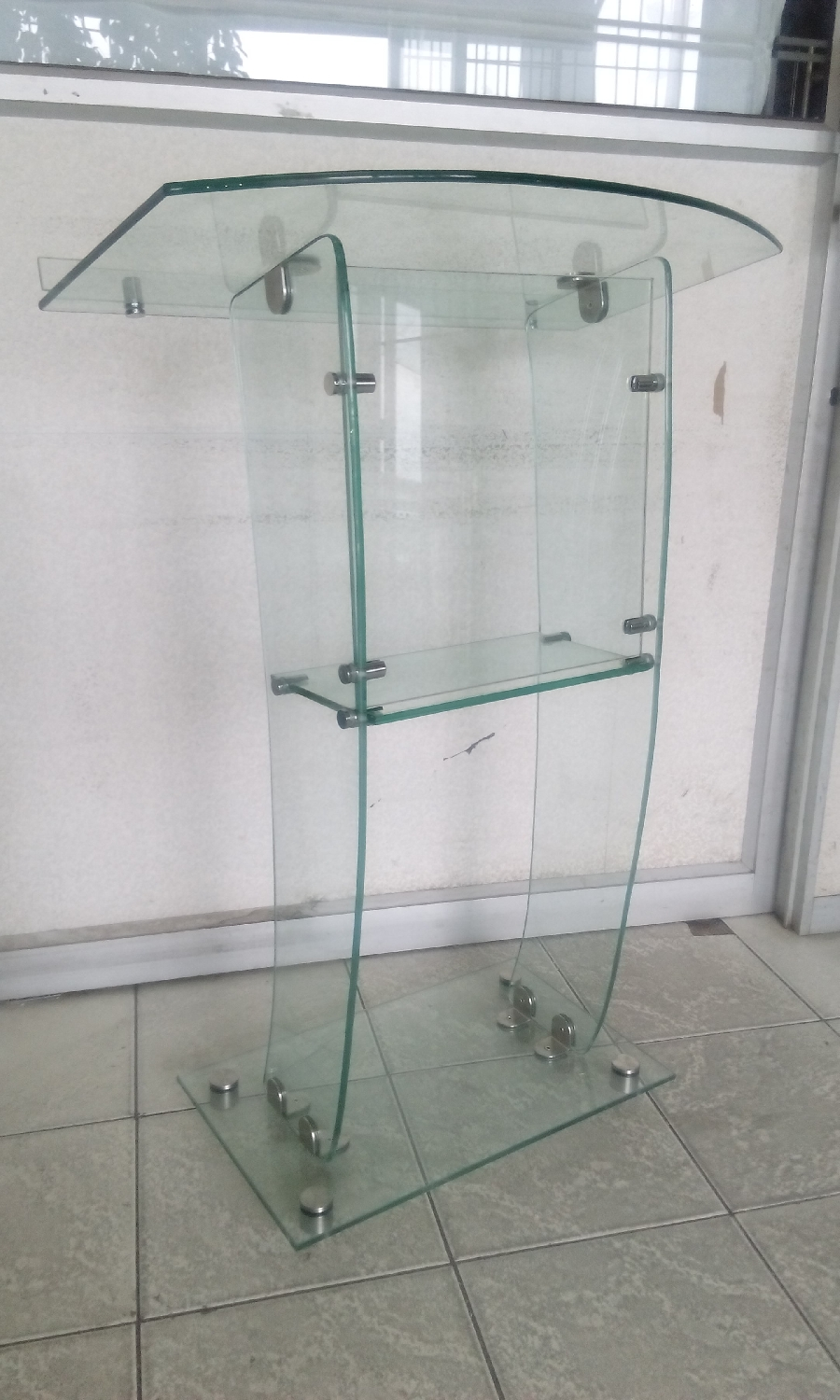 easy-to-dismantle-and-assemble-glass-pulpits